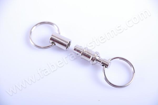 Přívěsek na klíče Karabina PUSH-PULL